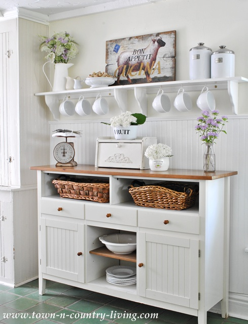farmhouse kitchen, sideboard, white kitchen, farmhouse style, open shelves, open shelving, kitchen baskets
