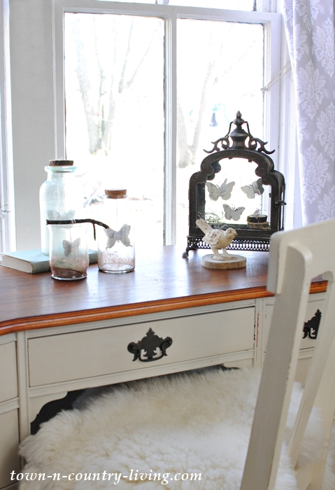 Vintage Desk in Farmhouse Entryway