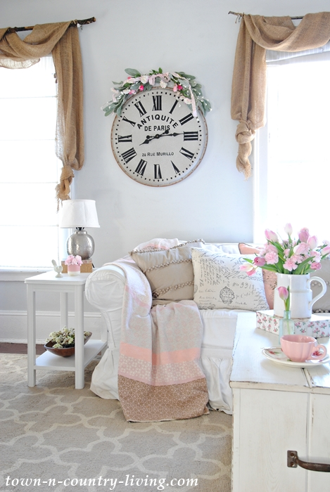 spring decorating, spring home tour, spring living room, spring family room, farmhouse living room, farmhouse style