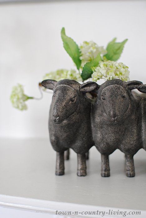 sheep planter, spring decor, farmhouse style, farmhouse decor