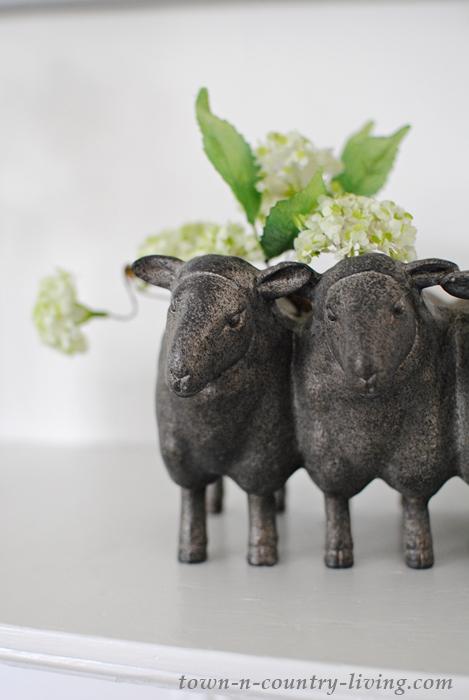 sheep planter, spring decor, farmhouse style, farmhouse decor