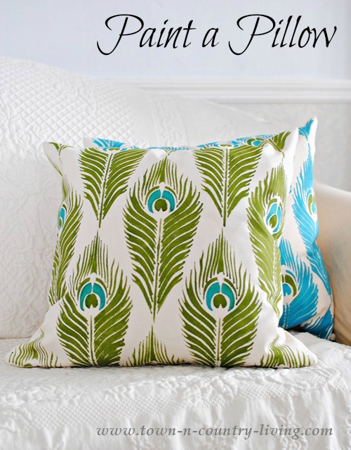 paint a pillow, decorating with pillows