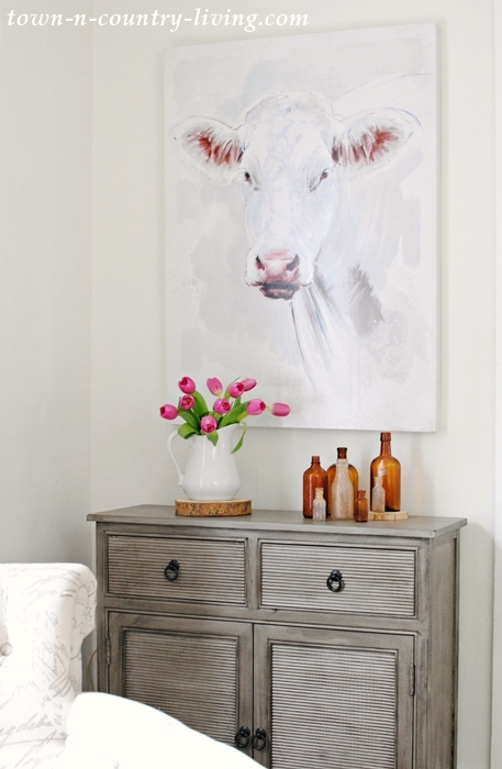 Farmhouse Cow Painting, farmhouse style, farmhouse decorating, cow painting, small cabinet