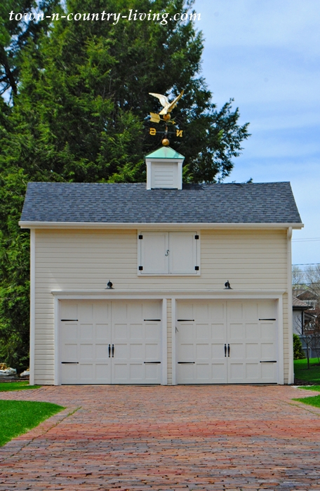 farmhouse style garage, weather vane
