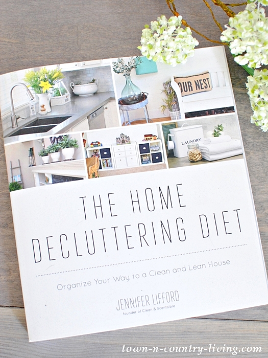 The Home Decluttering Diet, home organization, organizing tips, kitchen organization, living room organization, home office organization, laundry room organization
