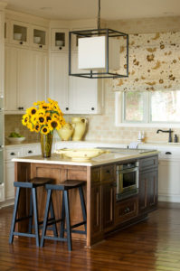 Lakeview Estate: Charming Home Tour