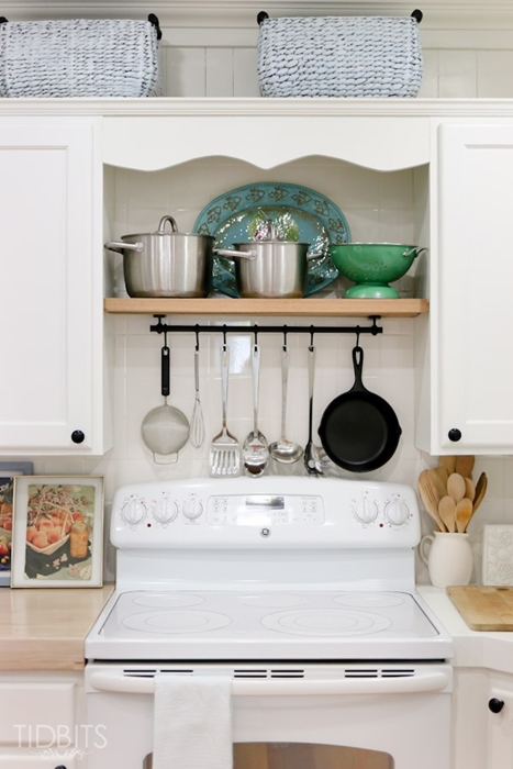 kitchen organizing, open shelving, farmhouse kitchen, country kitchen