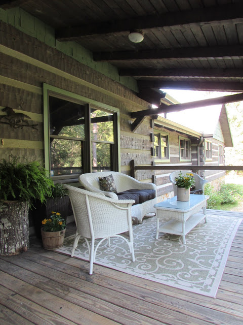 Hood Creek Log Cabin Front Porch