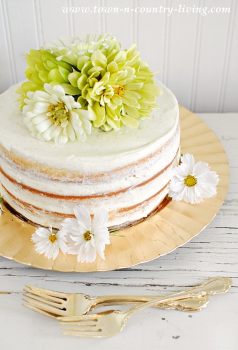 cake decorating with flowers, naked cake, layer cake