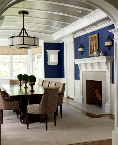 Traditional Dining Room in Navy Blue and White