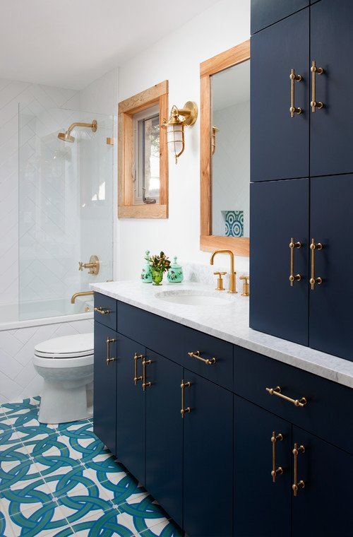 Transitional Beach Style Bathroom