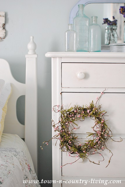 farmhouse dresser, summer decorating
