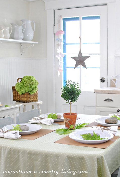 farmhouse breakfast nook, summer decorating ideas