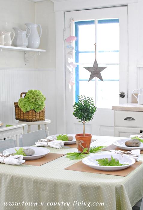 farmhouse breakfast nook, summer decorating ideas