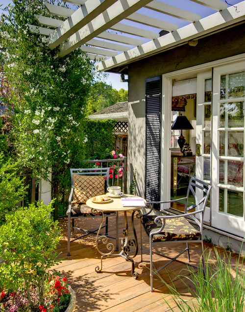 Cottage Style Outdoor Deck