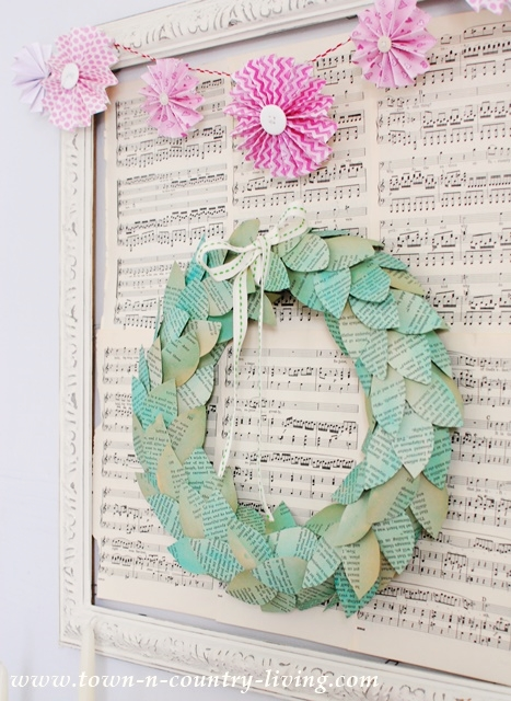How to make a colored book page wreath