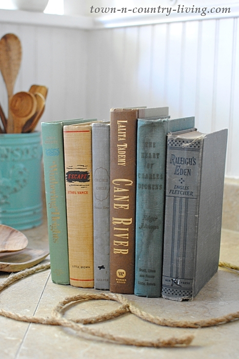Vintage books become DIY knife holder