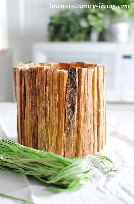 How to make a rustic flower vase using kindling wood