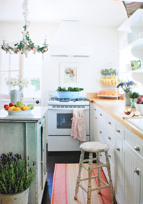 Romantic prairie kitchen with cottage style