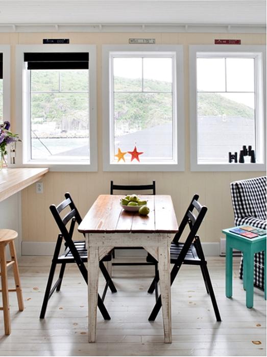 cottage dining room, breakfast nook