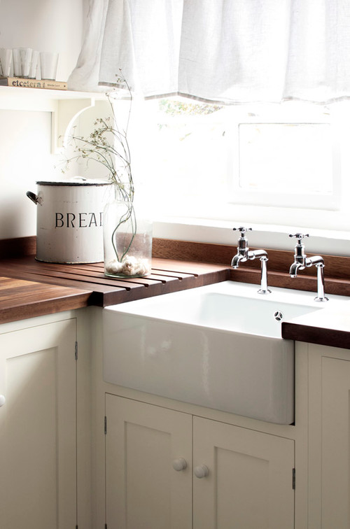 Light and Bright Country Kitchen