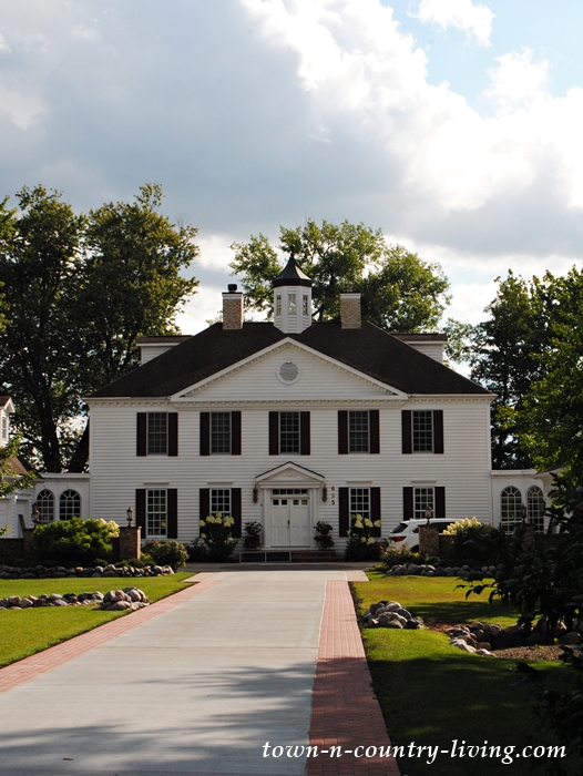 Amazing lakeside home in Illinois