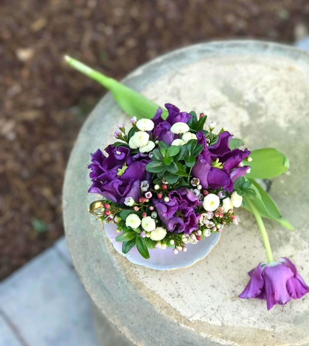 Simple flower arrangement by Kelly Wilkness, author of A Year in Flowers