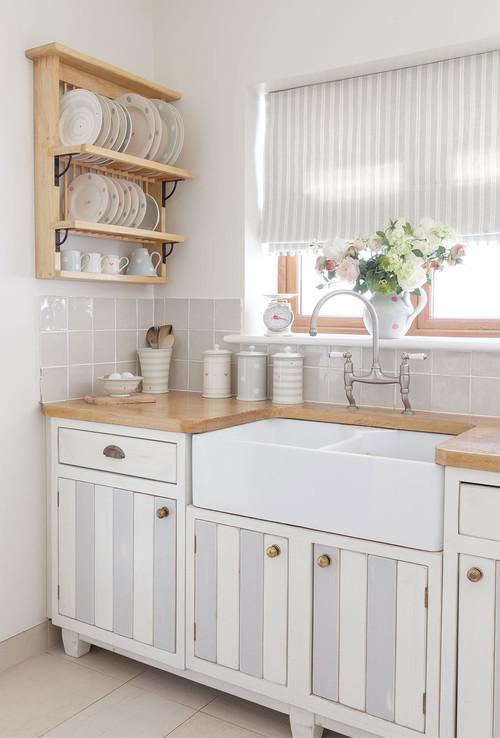 Quaint Cottage Kitchen