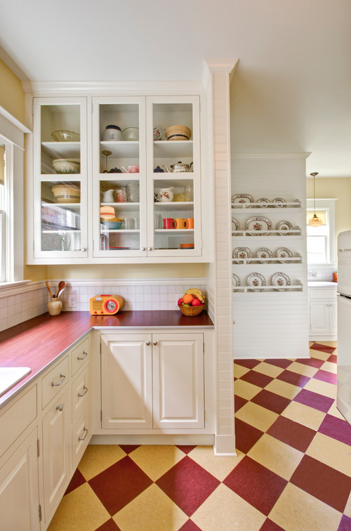 Retro Kitchen in Red and White