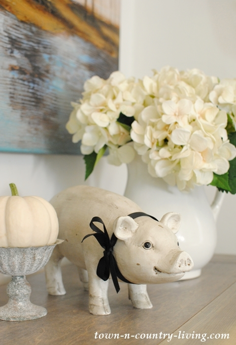 Farmhouse pig statue