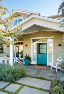 Hamptons House: Charming Home Tour