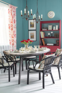 Colorful Russian House: Charming Home Tour
