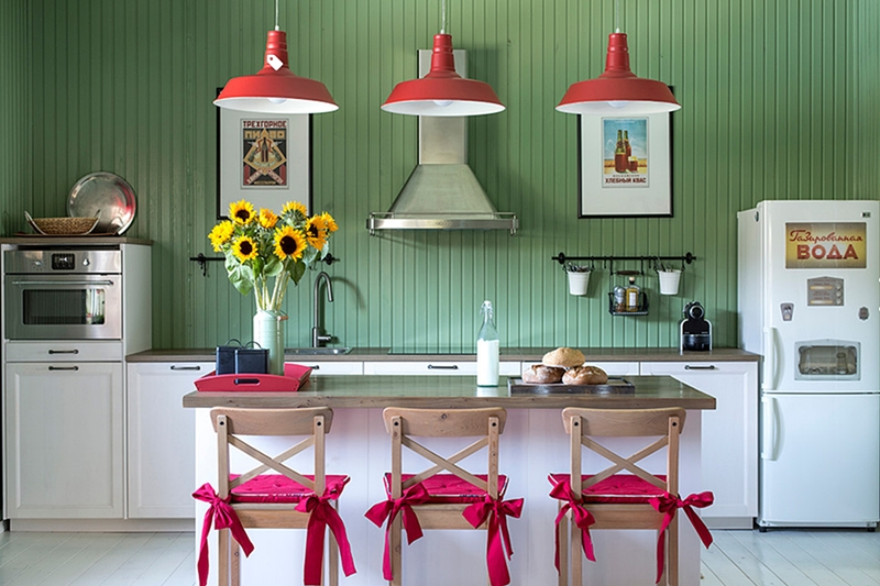 Colorful Russian House - kitchen