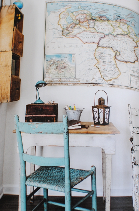 City Farmhouse Style Book - Writing Desk