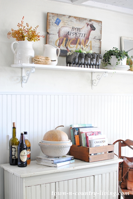 Fall decorating in my farmhouse kitchen town country for Country living 500 kitchen ideas book
