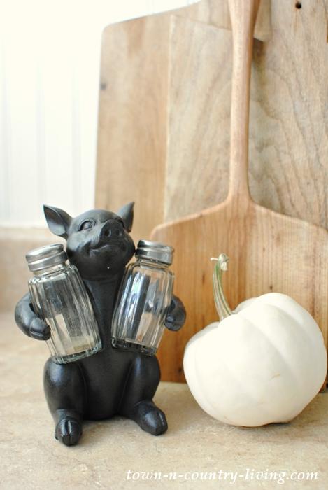 Little Piggy Salt and Pepper Shaker