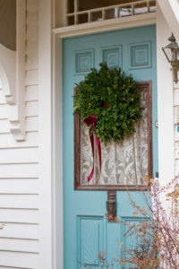 Christmas Decorating: Front Doors