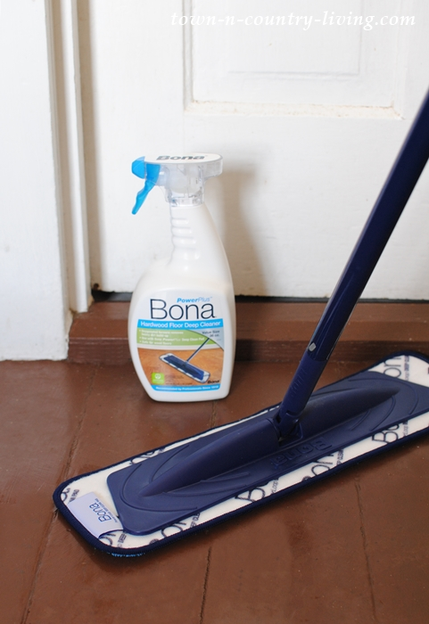 Cleaning hardwood floors with Bona PowerPlus cleaning products