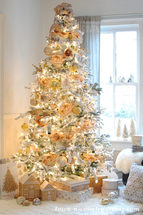 Country Style Christmas Tree