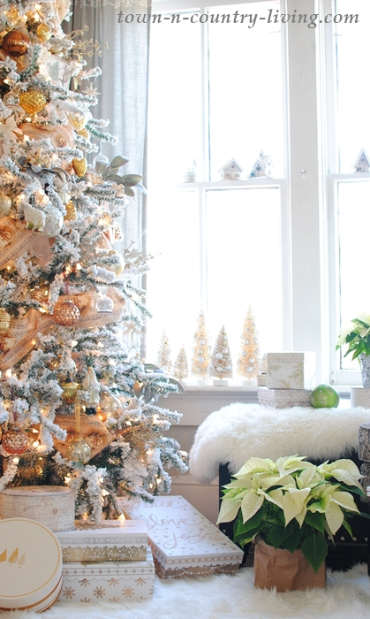Christmas in White and Neutral Tones