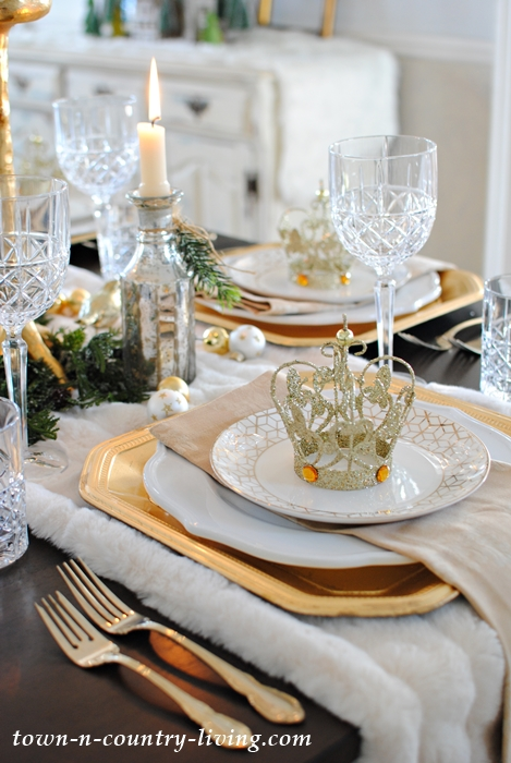 Golden Christmas Table Setting & Gold and Crystal Holiday Table Setting - Town \u0026 Country Living
