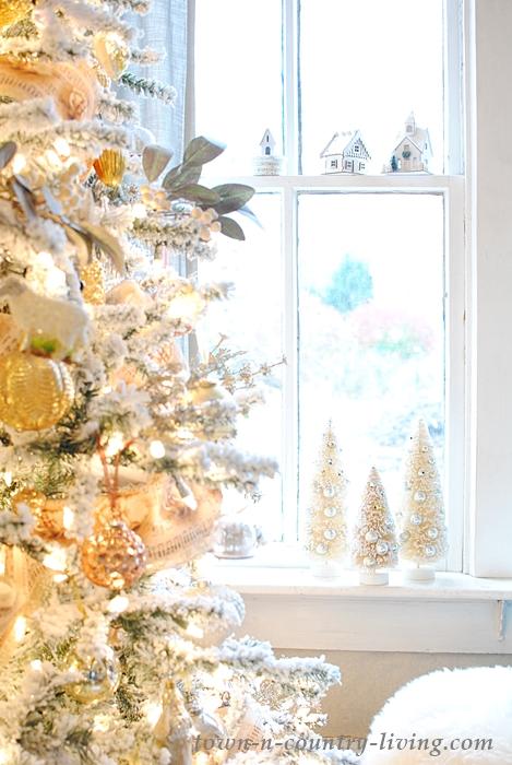 Mixed Metallics Christmas Tree