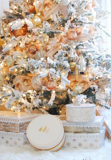 Christmas Tree in Mixed Metallic Tones