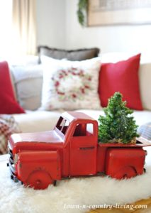 Casual Christmas Comfort: Holiday Decorating