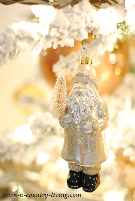 Sparkly Santa Claus Ornament