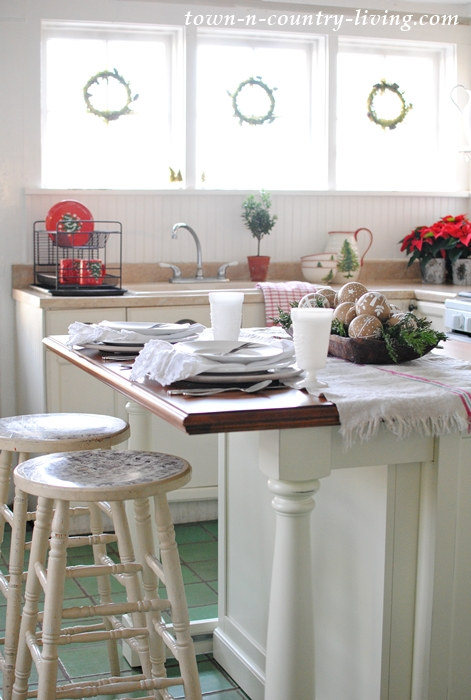 White Kitchen Island in a Farmhouse Kitchen