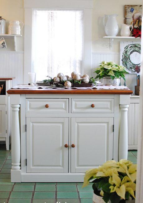 White Kitchen Island in a Farmhouse Kitchen