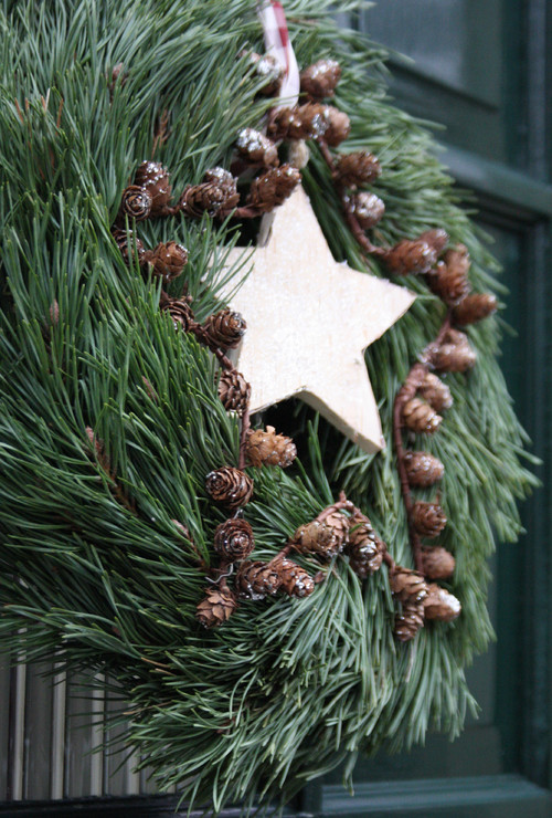 Full Rustic Christmas Wreath with Stars