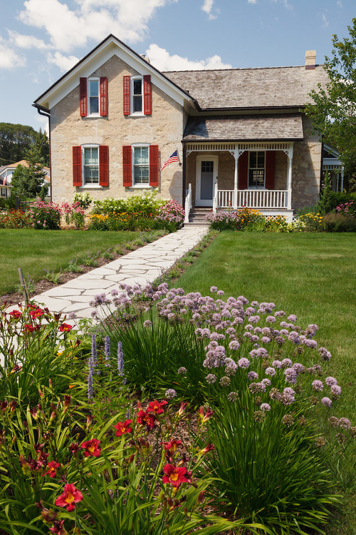 farmhouse landscape curb appeal
