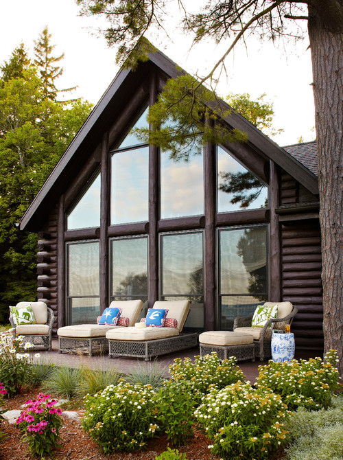 Wisconsin lake cabin with deck